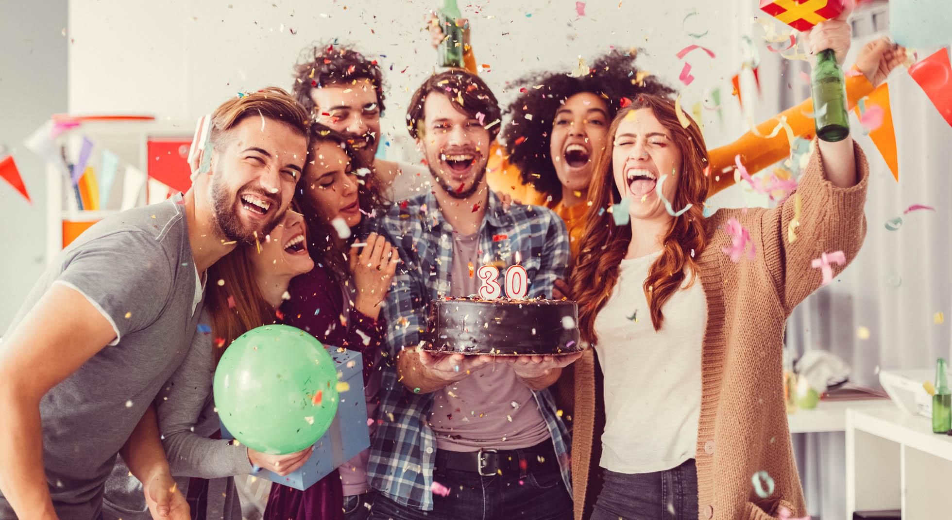 Приятные слова подруге: 10 идей для поздравления